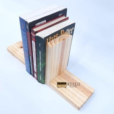 Suporte aparador para livros feito em madeira cor natural Entregas no Brasil, Suporte para Livros imagem